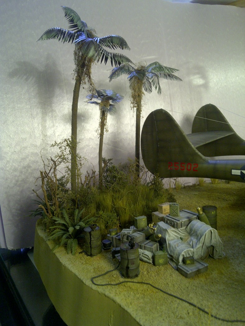 P-61  BLACK WIDOW / HOBBY BOSS 1/32 ( diorama ) - Page 2 Saint-10