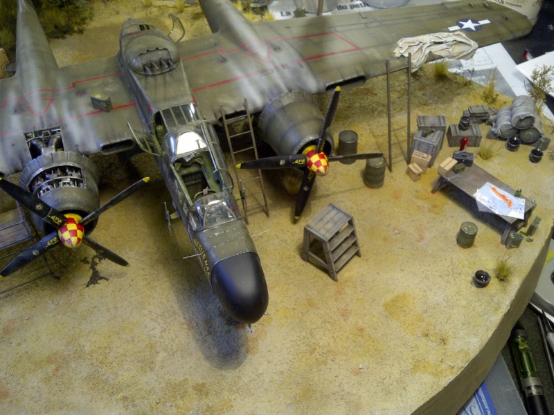 P-61  BLACK WIDOW / HOBBY BOSS 1/32 ( diorama ) - Page 2 Saint-14