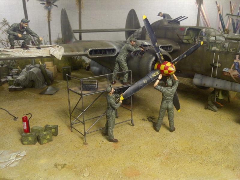 P-61  BLACK WIDOW / HOBBY BOSS 1/32 ( diorama ) - Page 2 Saint-18