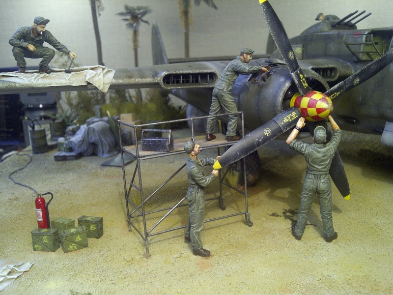 P-61  BLACK WIDOW / HOBBY BOSS 1/32 ( diorama ) - Page 3 Saint-23