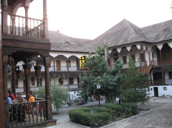 [Roumanie] - BUCAREST - L'auberge de Manuc  Bucare13