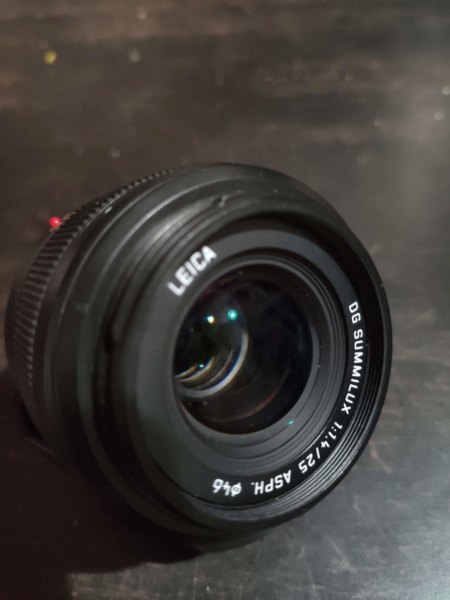 (VENDU) Panasonic Leica 25mm F/1.4 Img_2034