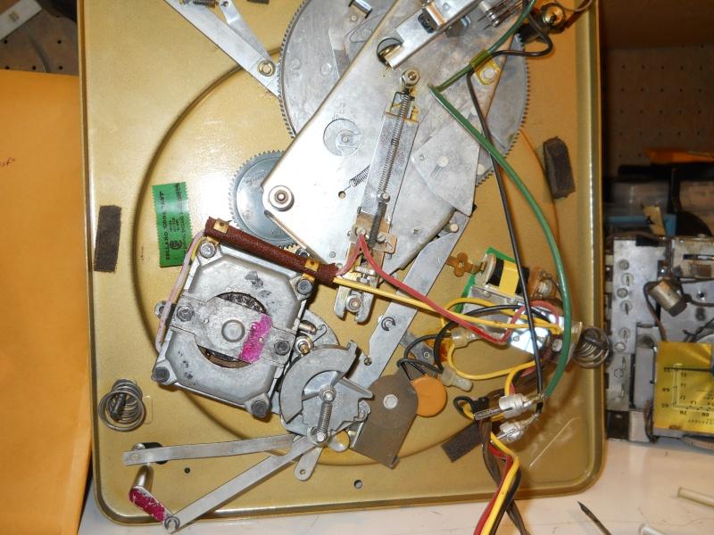 Restoration of a Magnavox Concert Grand 00911