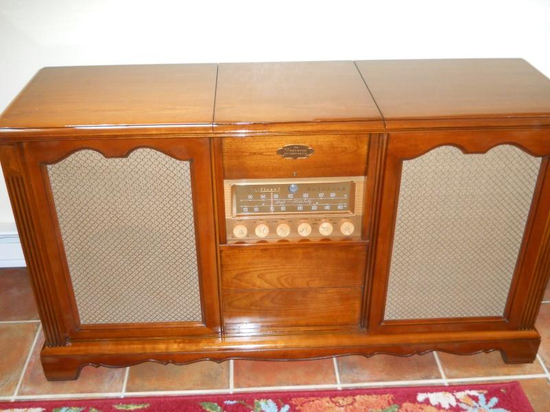 Restoration of a Magnavox Concert Grand 01911