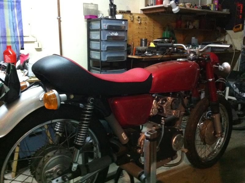 bonjour à tous , nouveau et premiere moto  09110