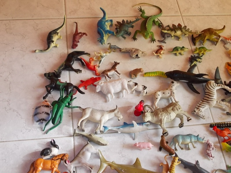 LOTTO 100 animali e dinosauri in plastica morbida e dura 00310