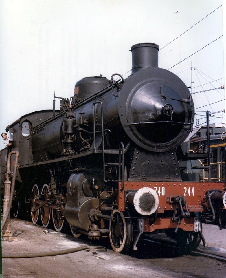 034 - Febbraio 2013 - Sbuffi di vapore nel deposito di Messina 740_2410