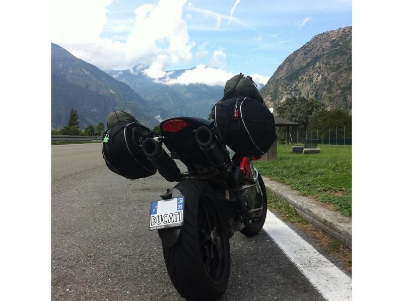 ROAD TRIP Quel équipement? - Page 2 Ducati10
