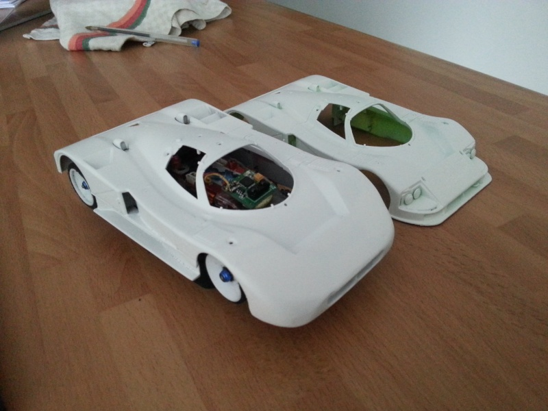 [SOLUTION QUI NE CONVIENT PAS]Résurrection d'une carrosserie (exemple avec Mazda 787) 20130610