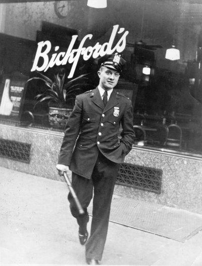 Uniforme NYPD 1950 - 2014 Copy_o10