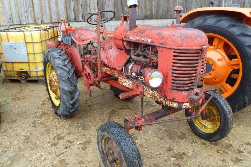 Tracteurs agricole d'autrefois. 03710