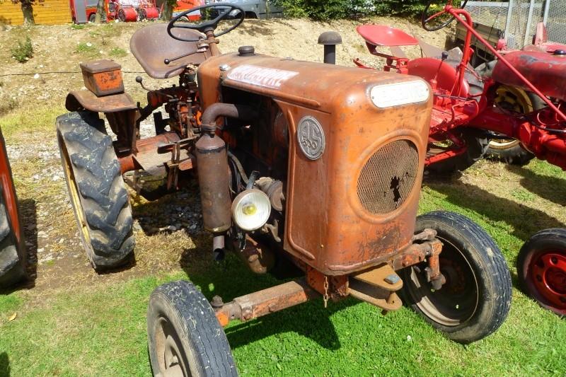 Tracteurs agricole d'autrefois. Ch_3910