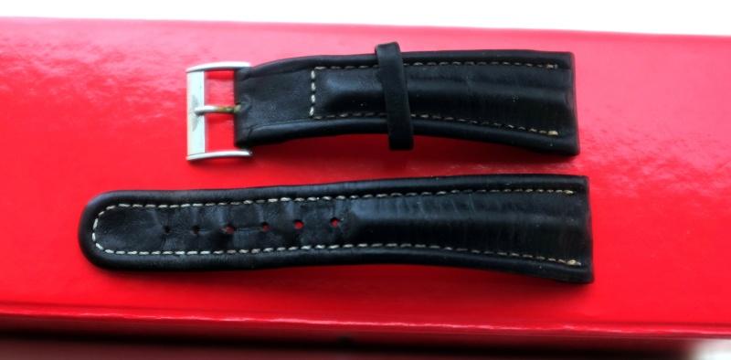 Cherche bracelet cuir vintage/usé petit budget Dscf7110