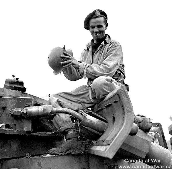 Canadian tank crew coverhall Untitl10
