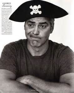 George Clooney funny photograph dressed in a pirates hat G-pira10
