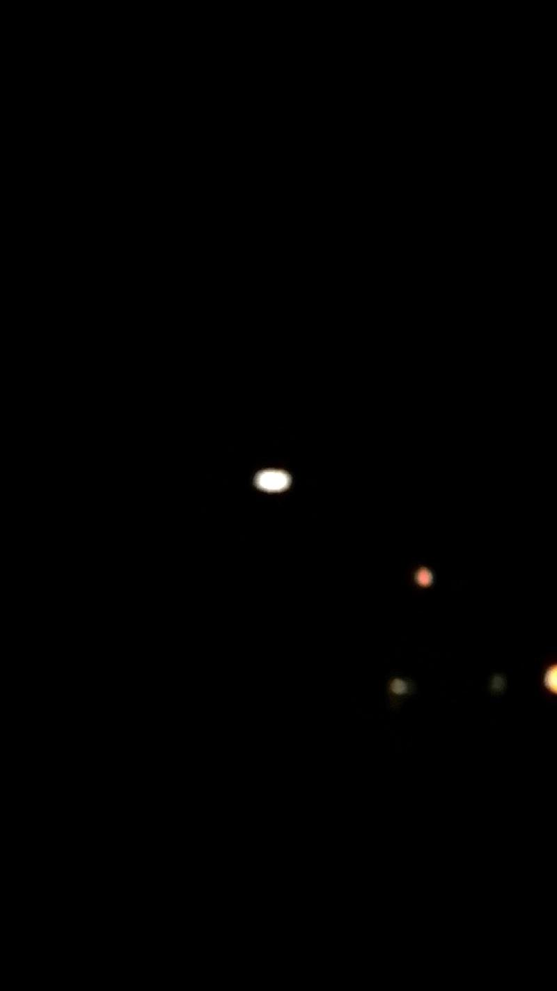 Observation Ovni 2013: le 05/07 à 22h40 - Aile volante en forme de boomerang - PERTUIS - Vaucluse (dép.84)   - Page 3 Ovni1010