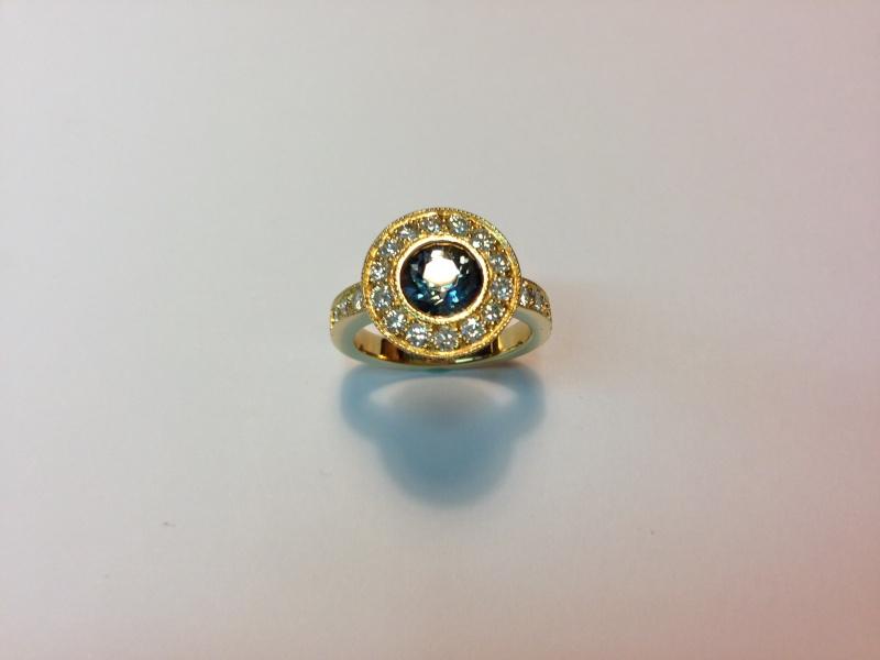 Bague Or jaune, Saphir et diamants Image510
