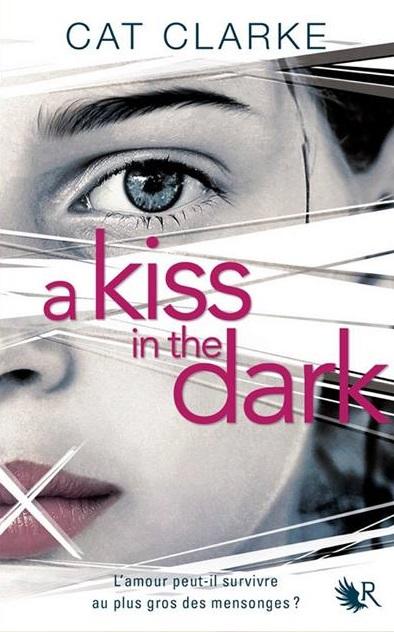 CLARKE Cat - A kiss in the dark A-kiss10