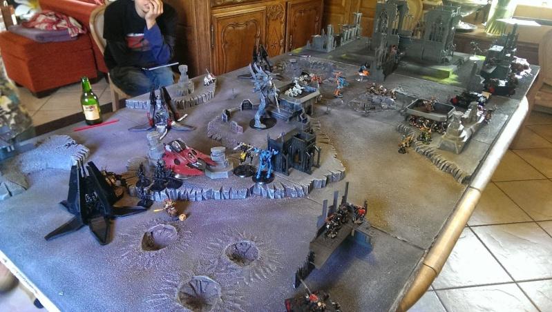 Relique : eldar noir, necron, chaos et tyra   VS  eldar, tau, ultramarines et space wolf 10273111