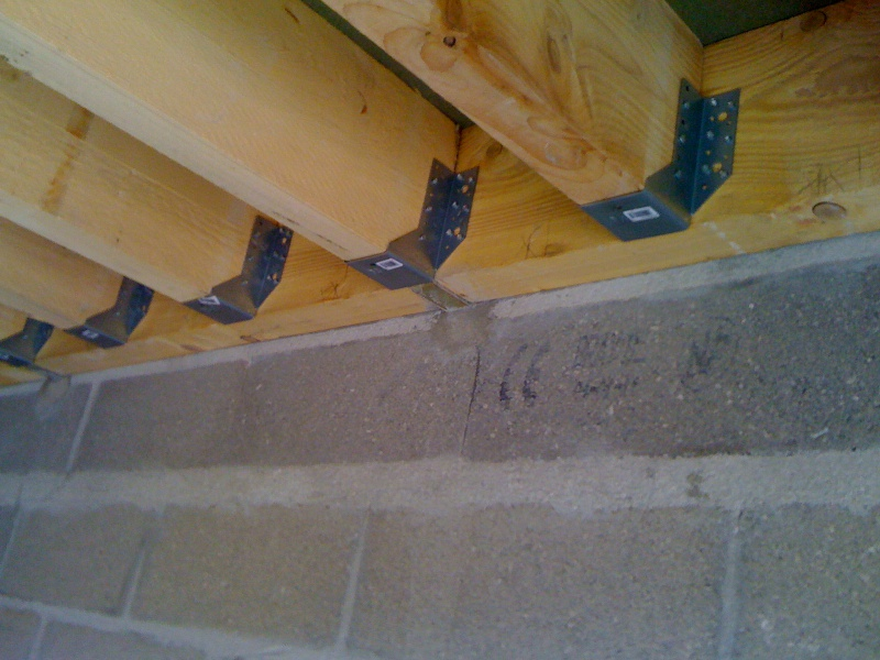 Pan sous-toit (madriers horizontaux) Croche10