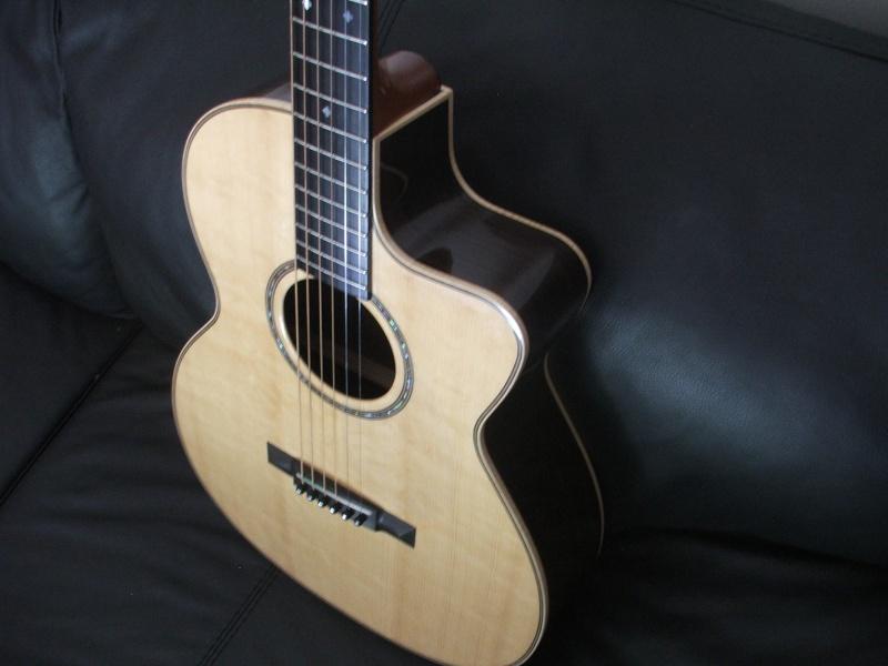 Guitare GA 30 PC Custom de Maurice DUPONT Dscf8622