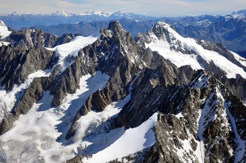 Besoin d'aide pour identification de sommets du massif du Mont Blanc Mbh_9919