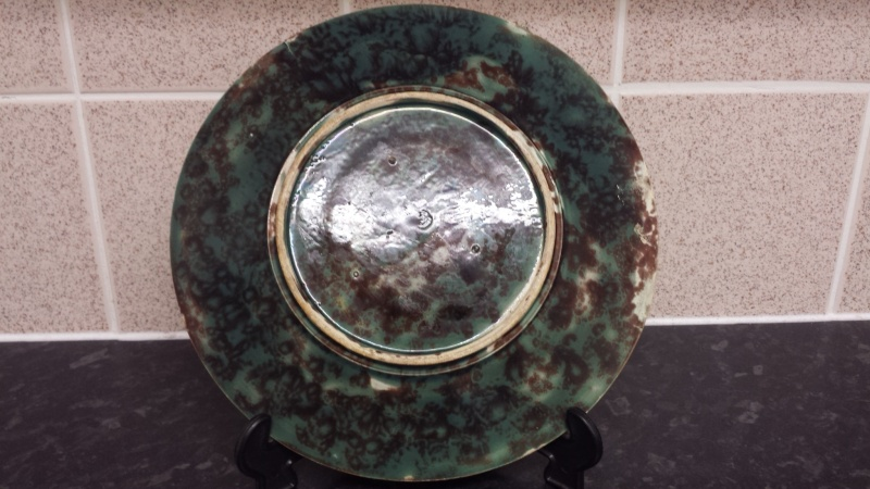 id help on signed majolica plate >>>> possibly signed HJ    20141212