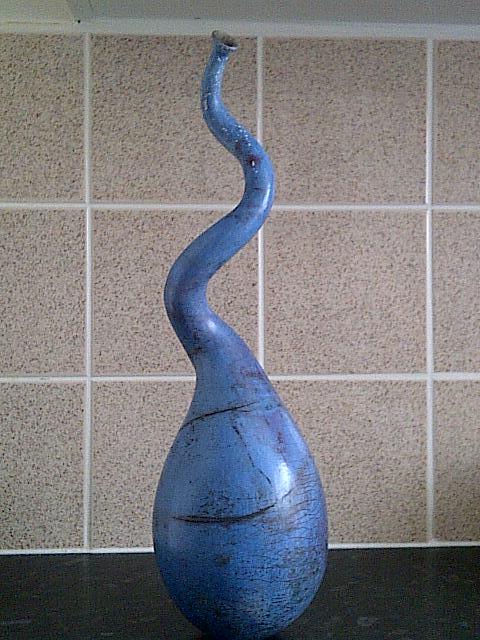 id help on very stylish raku vase signed  Img-2044
