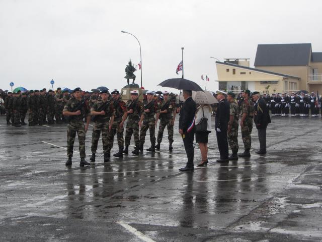 [Histoires Histoire] la commémoration des 70 ans du Débarquement - Page 2 Ceremo10