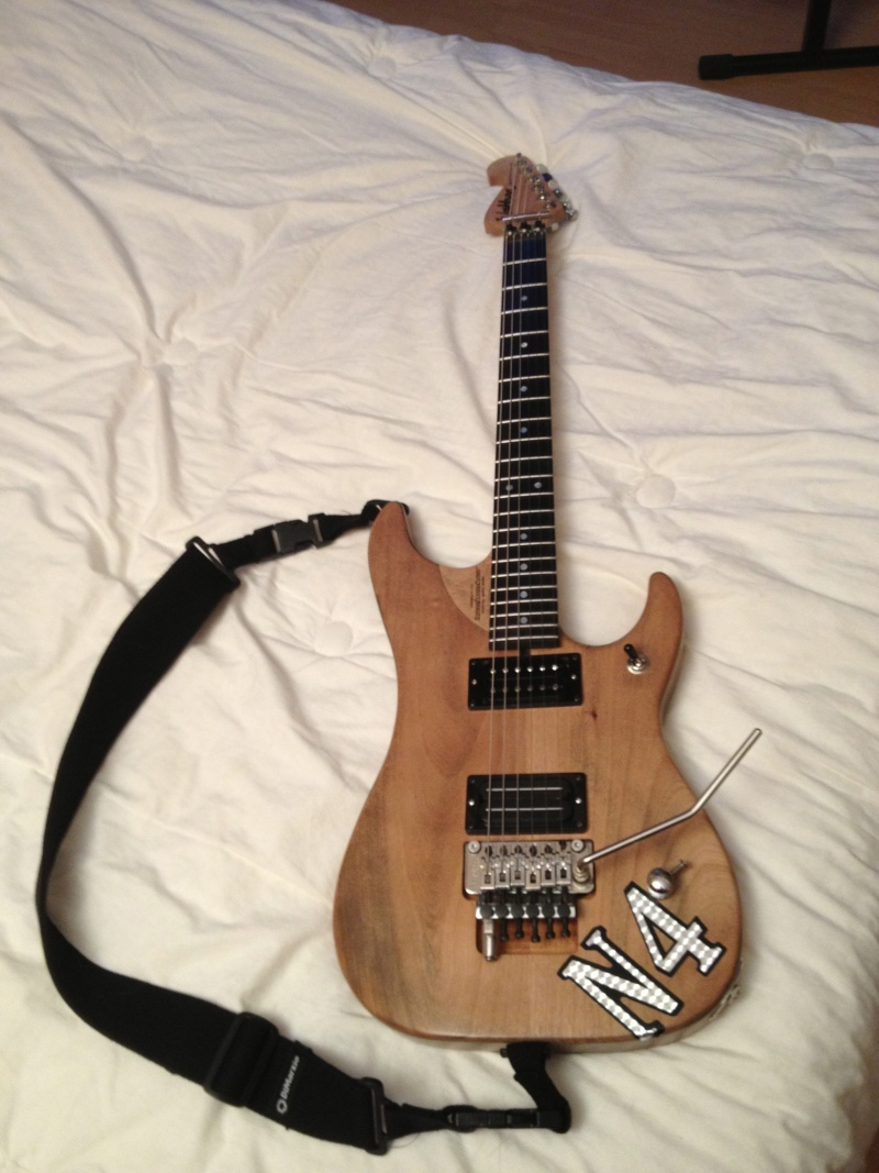 Photos de vos guitares. - Page 38 N4-110