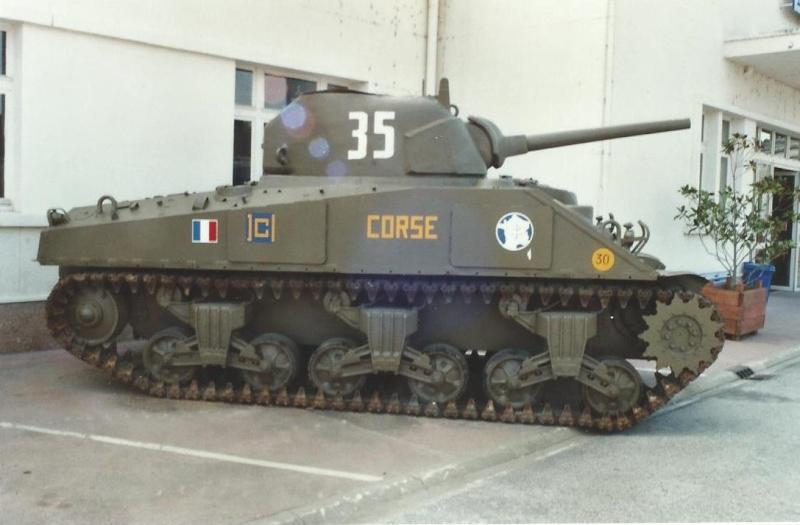Un autre char [réponse: le CORSE] - Page 2 Corse_10