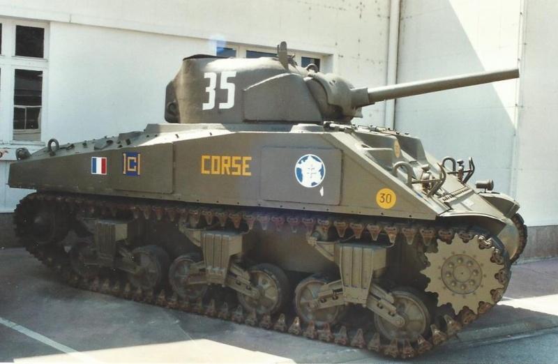 Un autre char [réponse: le CORSE] - Page 2 Corse_11