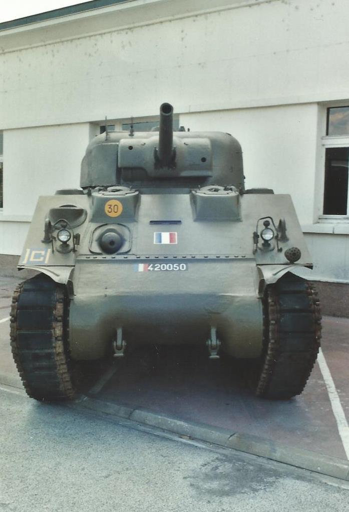 Un autre char [réponse: le CORSE] - Page 2 Corse_14