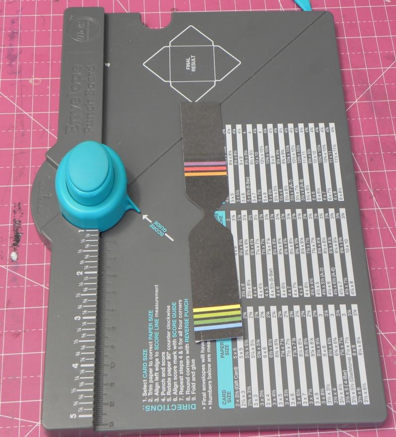 Tuto - Boucles de papier avec l'outil Enveloppe Punch Board Dscn0616