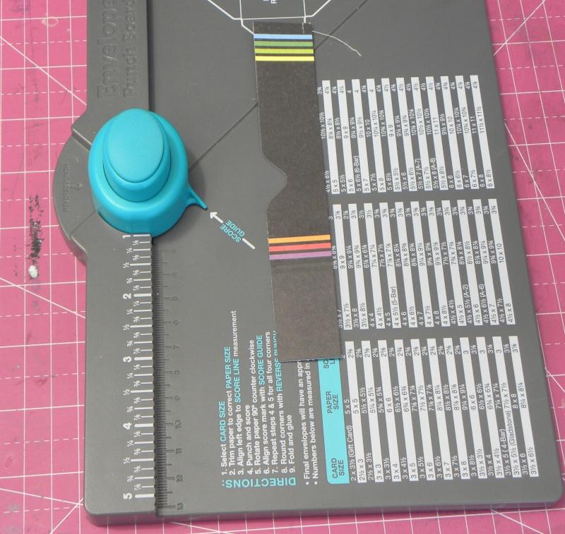 Tuto - Boucles de papier avec l'outil Enveloppe Punch Board Dscn0617