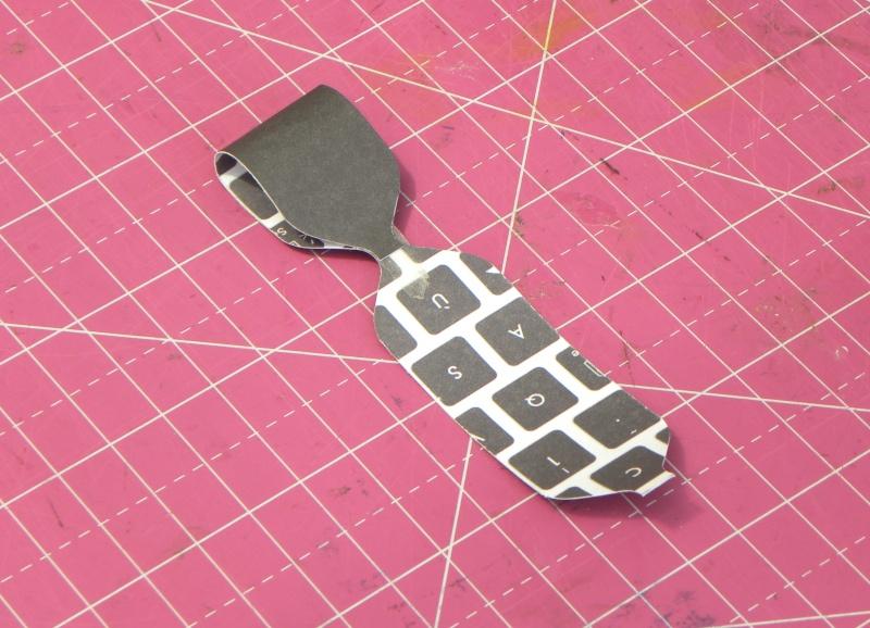 Tuto - Boucles de papier avec l'outil Enveloppe Punch Board Dscn0624