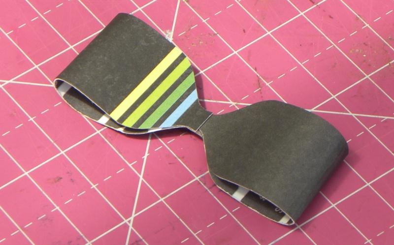 Tuto - Boucles de papier avec l'outil Enveloppe Punch Board Dscn0625