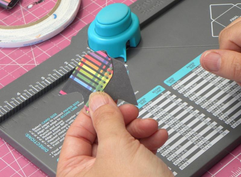Tuto - Boucles de papier avec l'outil Enveloppe Punch Board Dscn0713