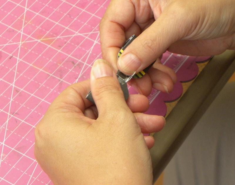 Tuto - Boucles de papier avec l'outil Enveloppe Punch Board Dscn0715