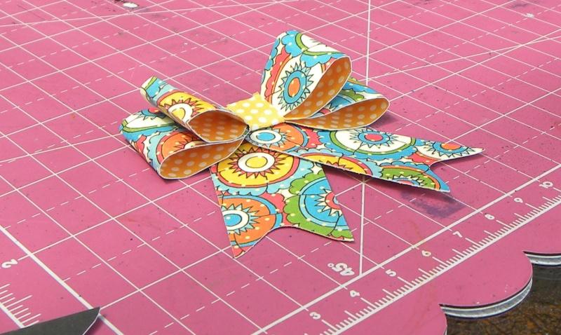 Tuto - Boucles de papier avec l'outil Enveloppe Punch Board Dscn0718