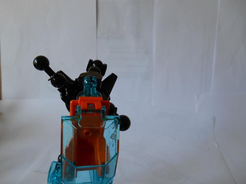[MOC] Concours été 2014 : La Machine Double d'Assaut Dscn5311