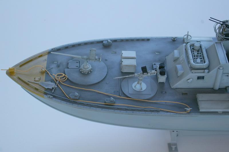 Torpedo boat PT - 596 [italeri 1/35] - Page 3 Imgp7230