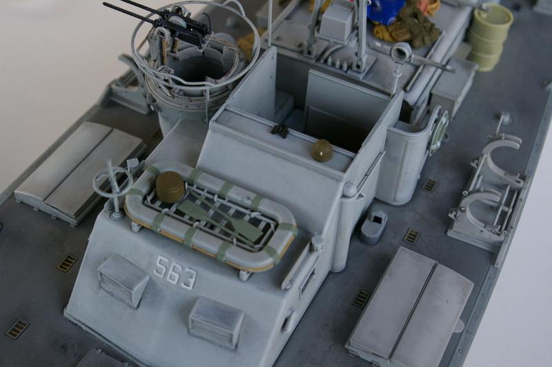 Torpedo boat PT - 596 [italeri 1/35] - Page 4 Imgp7239