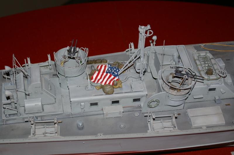 Torpedo boat PT - 596 [italeri 1/35] - Page 4 Imgp7243