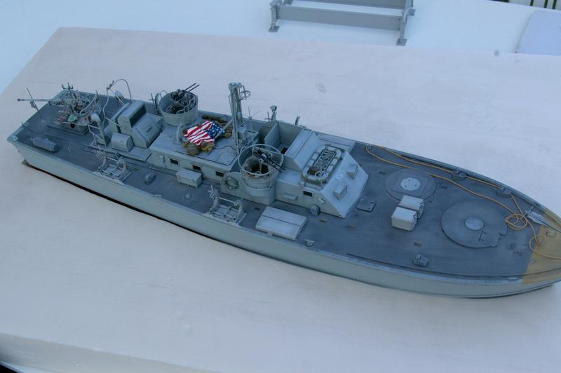 Torpedo boat PT - 596 [italeri 1/35] - Page 4 Imgp7248