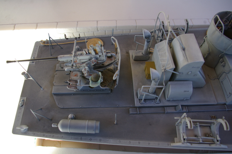 Torpedo boat PT - 596 [italeri 1/35] - Page 4 Imgp7314