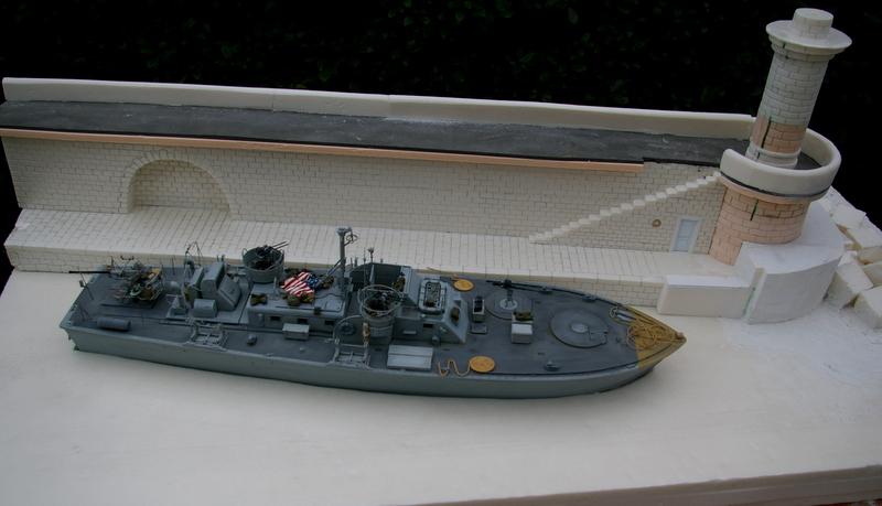 Torpedo boat PT - 596 [italeri 1/35] - Page 6 Imgp7424