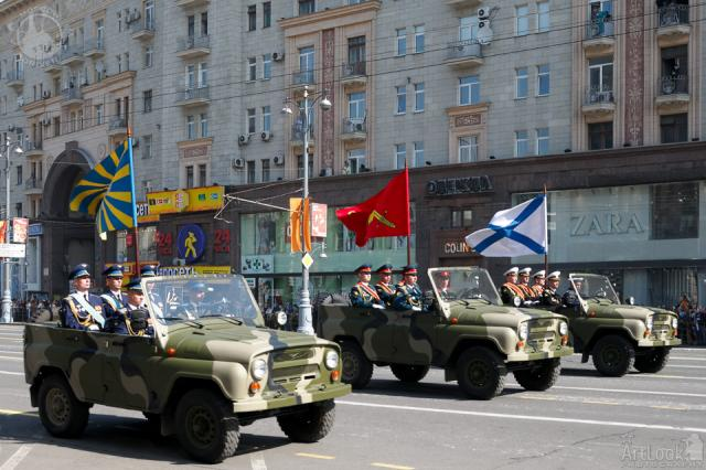 Commander-Jeeps-UAZ-469-Tverskaya- Alp-2010