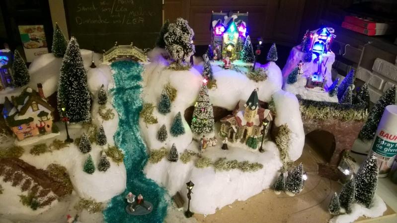 C'est bientôt Noël: montre moi ton sapin  !!  - Page 5 10631210