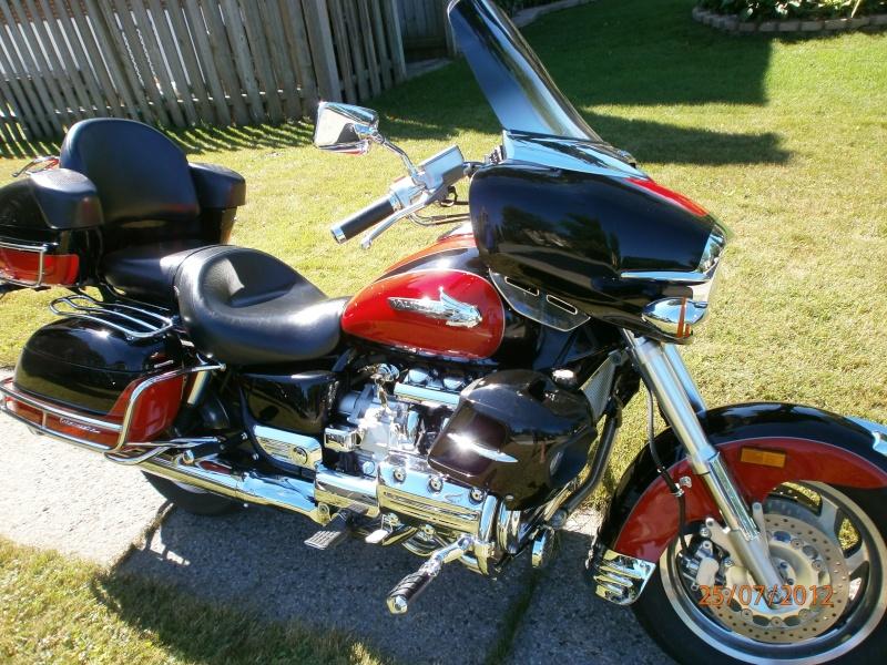 VENDU - Superbe moto originale Honda Valkyrie Interstate 211